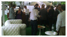 soiree HTC, location de canapés Chesterfield gonflables Paris